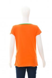 Girls' t-shirt back
