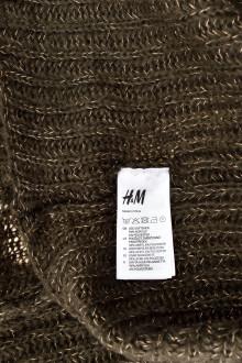 H&M back